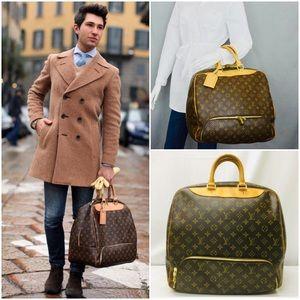 ❤️✈️ Louis Vuitton Monogram Evasion Unisex Bag